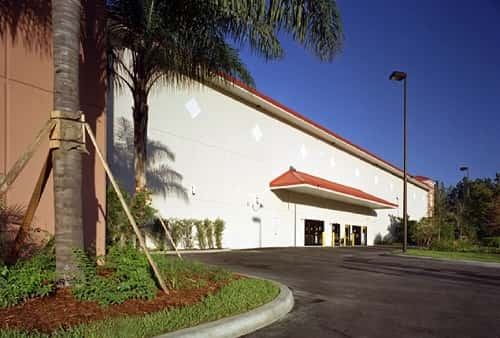 Covered Loading Area For Self Storage Lockers on West Hillsboro Boulevard in Coconut Creek, Florida 33073