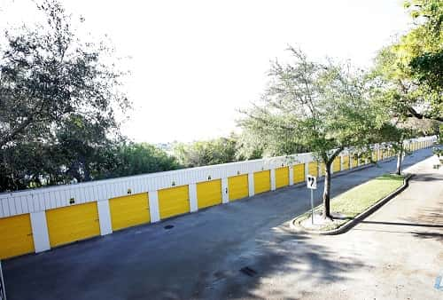 Drive Up Accessible Self Storage Lockers on Sheridan Street in Hollywood, FL 33021