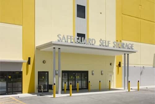 Handicap Accessible Self Storage Lockers on South Dixie Highway in Perrine, Florida 33157