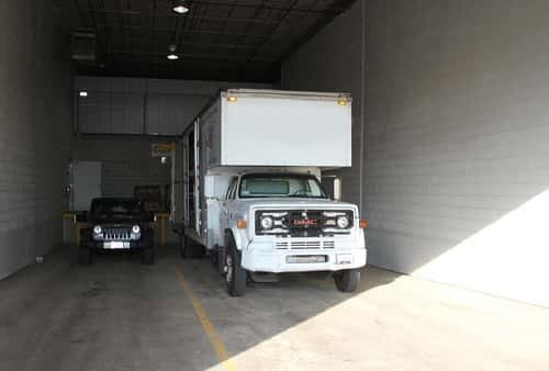 Drive-In Loading Area For Self Storage Lockers on Manheim Road in Des Plaines, IL 60018