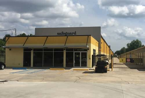 Climate and Non-Climate Controlled Self Storage Units at 6827 Lapalco Blvd in Marrero, LA 70072
