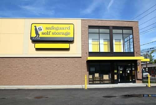 Climate Controlled Self Storage Es Serving Hewlett New York 11557