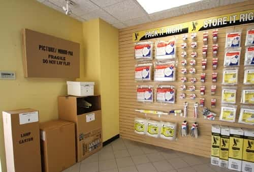 Self Storage Moving & Packing Supplies For Sale on Manheim Rd, Des Plaines, Illinois 60018