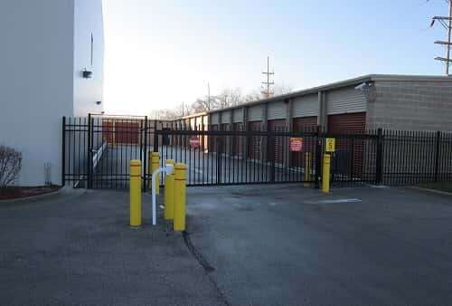 Self Storage Units In Mccook Il On West 47th St From