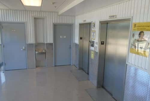 Easy Cargo Elevator Access to Metairie Storage Bins on Upper Floors in Zip Code 70003