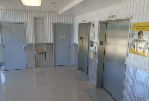 Foyer Flooring Zip Code : Self storage units in metairie la on riverside dr from