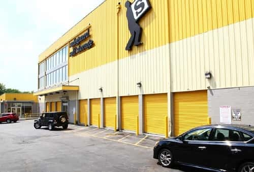 Drive Up Accessible Self Storage Lockers on Bronx Blvd, Bronx, NY 10466