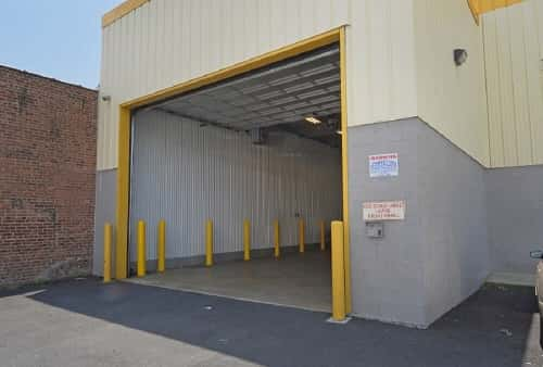 Drive In Loading Bay For Self Storage Lockers on Jamaica Ave in Hollis, NY 11423