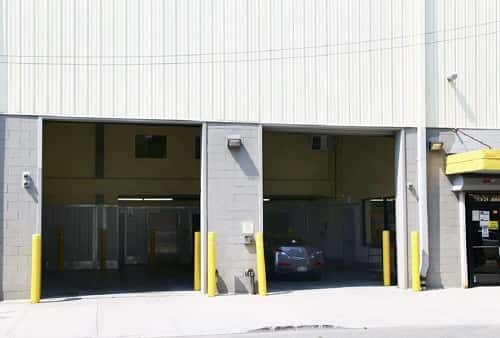Drive In Loading Area For Self Storage Lockers on Jamaica Ave in Richmond Hill, NY 11418